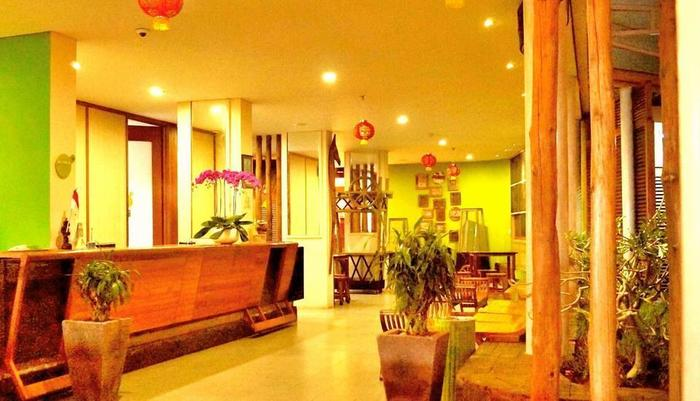 J Hotel Kuta - Front Office
