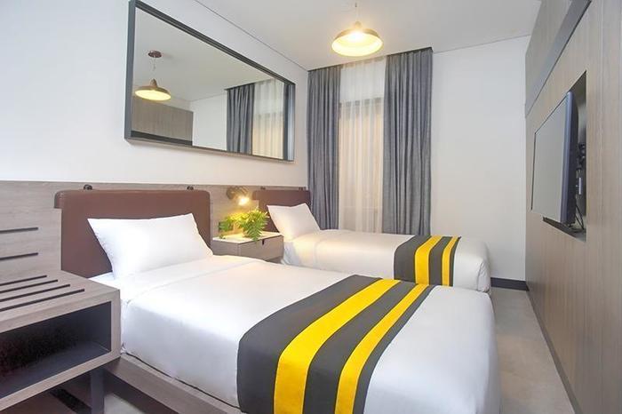 Rooms Inc Hotel Semarang - Twin Bed