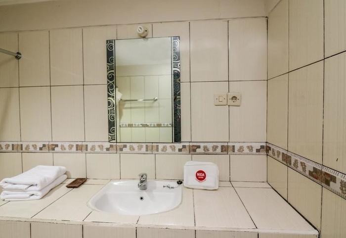 NIDA Rooms Candidasa Karang Asem Bali - Kamar mandi
