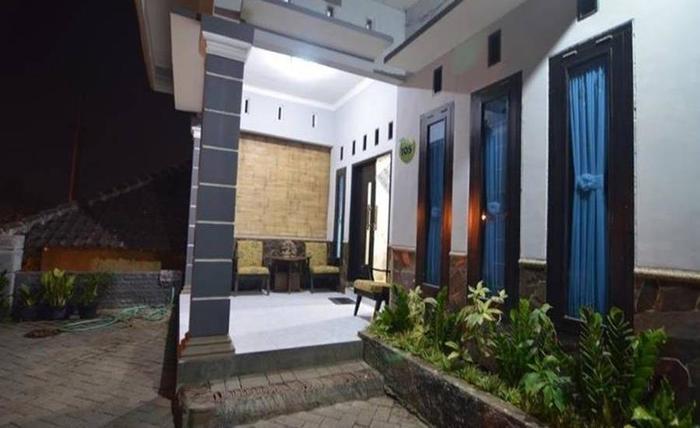 Nama Hotel Ceria Homestay Alamat Jl Kenanga Leci No 105 Oro Ombo Batu Malang Indonesia 0Malang Rating Star Murah Bintang 1 Di