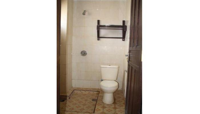 Ronggolawe Hotel Blora - Bathroom