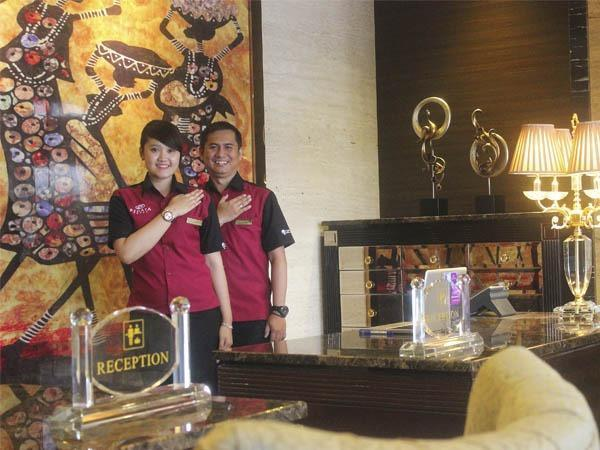 Regata Hotel Bandung - RECEPTIONIST