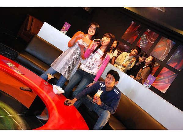 Serela Riau Hotel Bandung - Carrera Karaoke