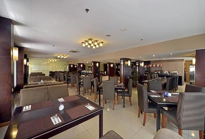 Serela Riau Hotel Bandung - Restaurant