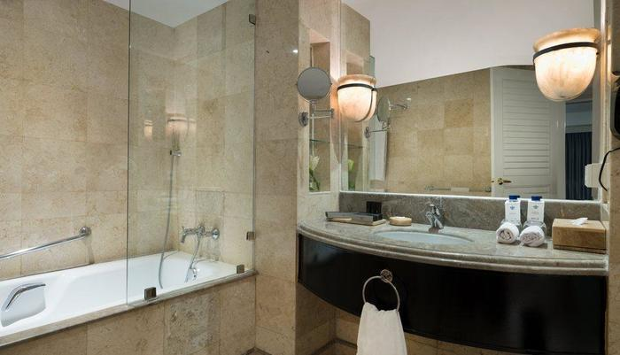 Hotel Melia Purosani Yogyakarta - Bathroom