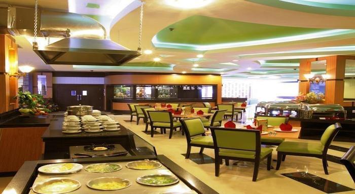 Hotel Orchardz Jayakarta - 2