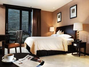 The Palais Dago Hotel Bandung - Deluxe King