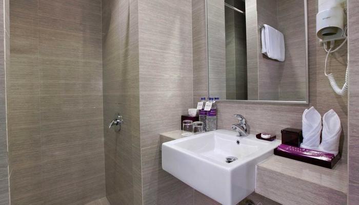 Quest Hotel  Balikpapan - Kamar Mandi Superior