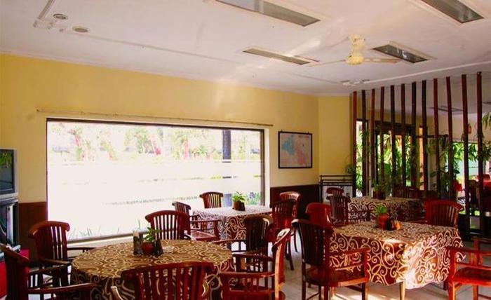 Hotel Mitra Inn Kediri - Ruang makan
