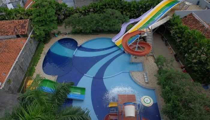 Grand Aquarium Hotel Pangandaran - Pool