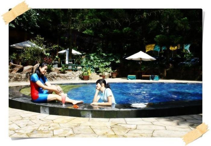Safari Lodge Cisarua - Caravan Pool