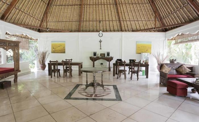 RedDoorz @Bidadari Seminyak Bali - Interior