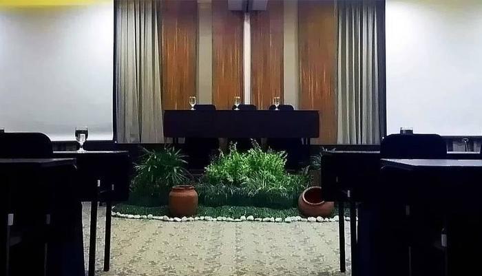 Grand Seriti Madani Yogyakarta - Ruang Rapat