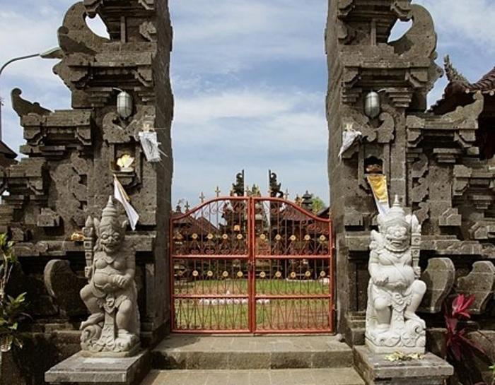 Soka Indah Bali - Candi