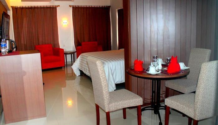 Hotel Inna Dharma Deli Medan - Fasilitas kamar deluxe suite