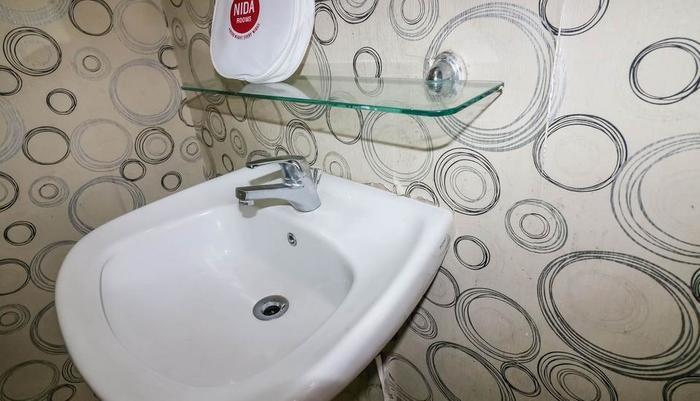 NIDA Rooms Bogor Cisarua Mawar Bogor - Kamar mandi