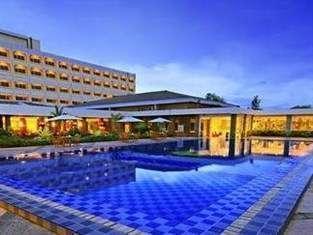 Hotel Pangeran Beach Padang - Kolam Renang