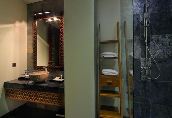 Akana Boutique Hotel Sanur Bali - Kamar mandi