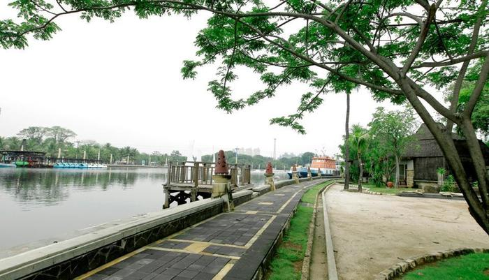Putri Duyung Ancol - Jogging Track