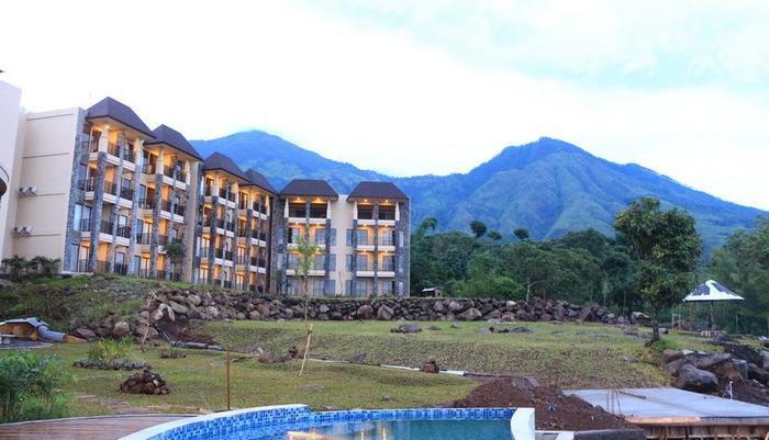 Baobab Safari Resort Pasuruan - Exterior