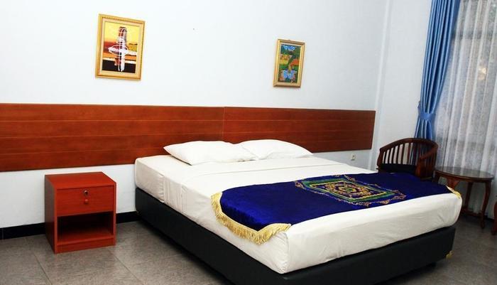 Taman Sari Hotel by Prasanthi Sukabumi - Swan Valley