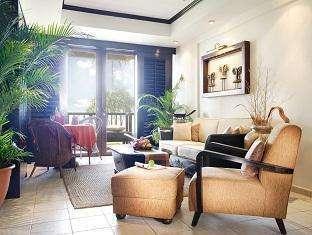 Nirwana Resort Hotel Bintan - Suite Living Room