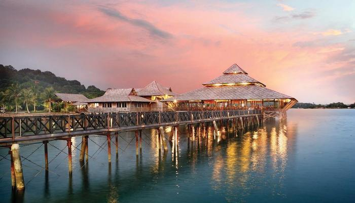 Nirwana Resort Hotel Bintan - The Kelong Seafood Restaurant