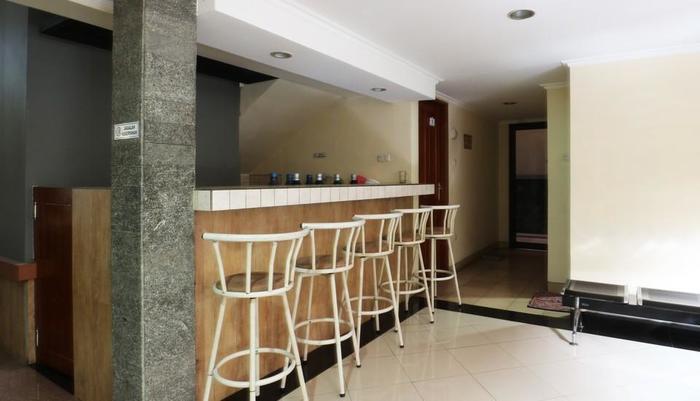 FR Guest House Jakarta - lounge 1
