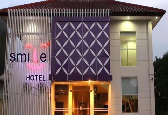 Smile Hotel Cirebon - Eksterior