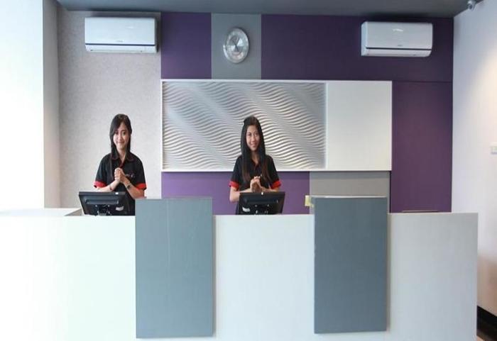 Smile Hotel Cirebon - Interior