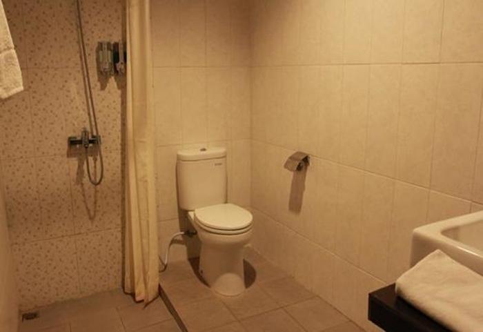 Smile Hotel Cirebon - Kamar mandi