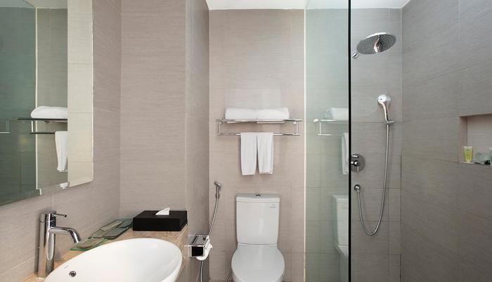 Hotel Santika Pekalongan - Toilet dan kamar mandi
