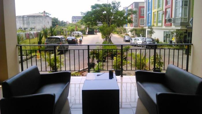 Apartemen The Suites Metro Yudis Buah Batu - Sofa