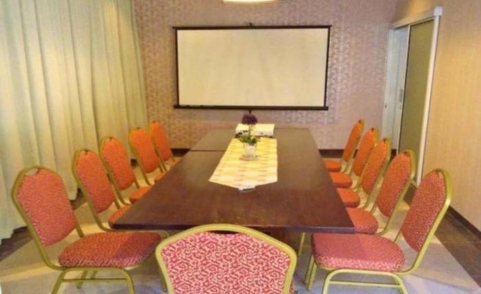 Travelers Inn Bandung - Ruang Rapat