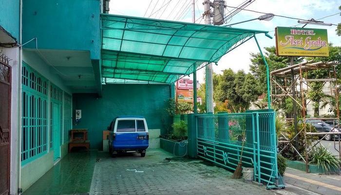 Hotel Asri Graha Jogja - Area Parkir