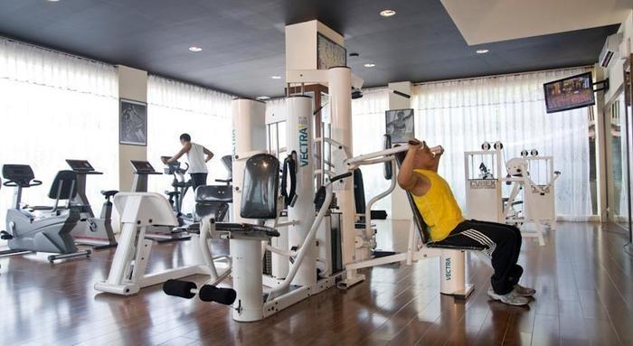 Narita Classic Hotel Surabaya - Fitness1