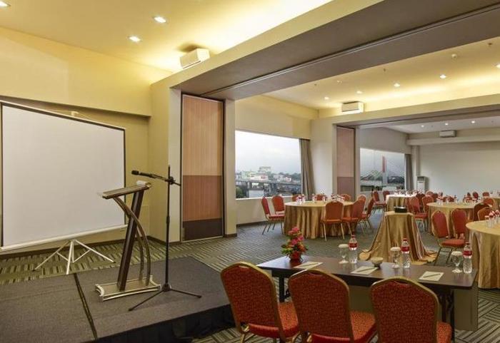 Promenade Hotel Bandung - Conference Room