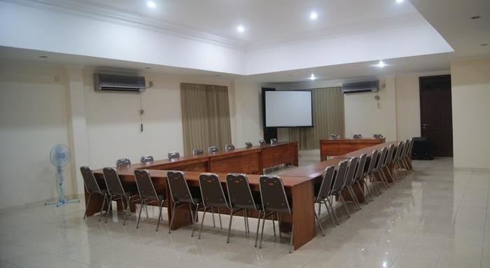 Palu City Hotel Palu - Meeting Room
