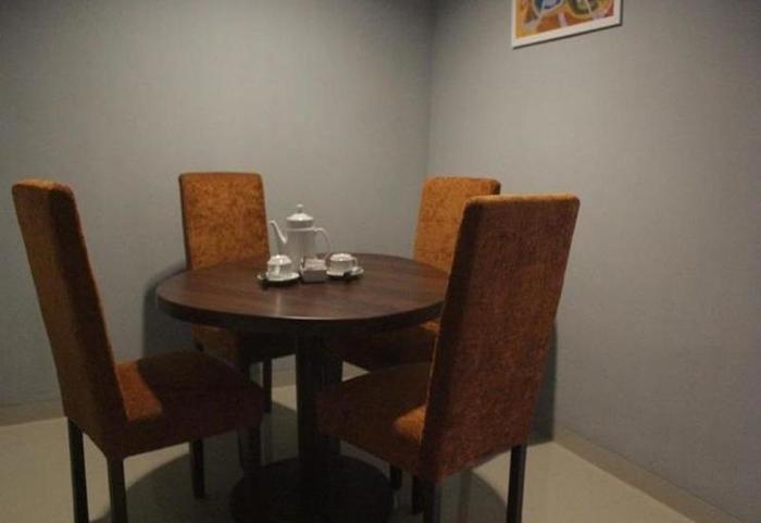 Durian Condotel Suite Makassar - Ruang makan