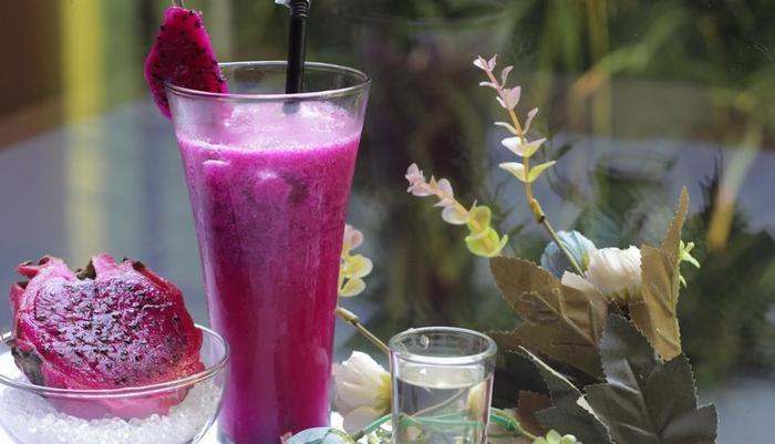 Durian Condotel Suite Makassar - Jus segar yang sehat di café gelombang dan Resto