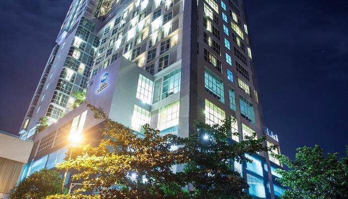 Best Western The Lagoon Hotel Manado - Night Building BW