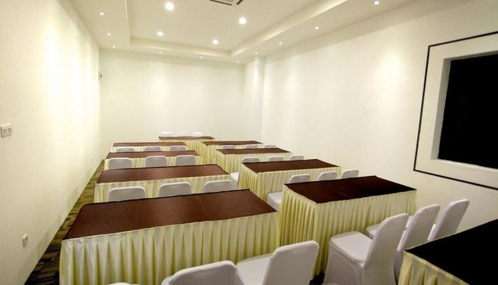 Arbor Biz Hotel Makassar - Function Room Pine