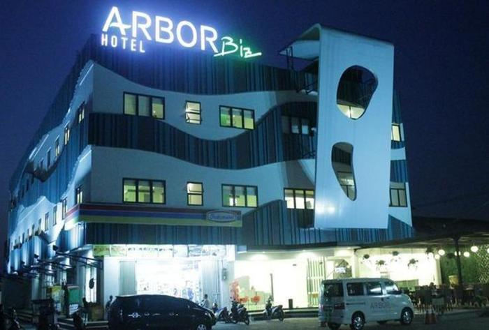Arbor Biz Hotel Makassar - New Appearance