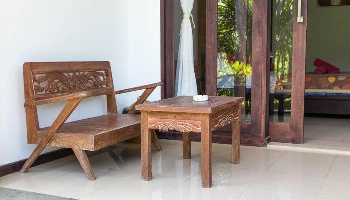 ZenRooms Uluwatu Labuan Sait Bali - Teras