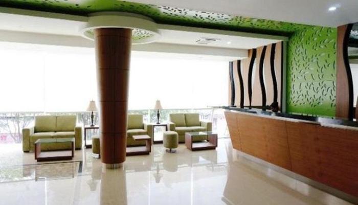 Green Eden Hotel Manado - Resepsionis