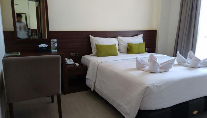 Green Eden Hotel Manado - Deluxe Double Sea View