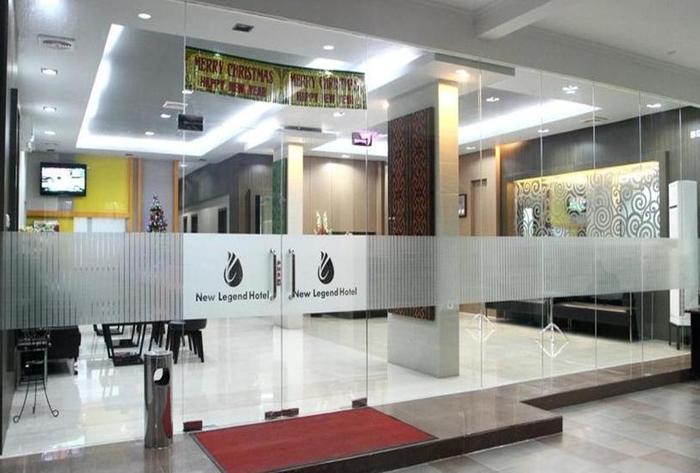New Legend Hotel Makassar - Pintu Masuk