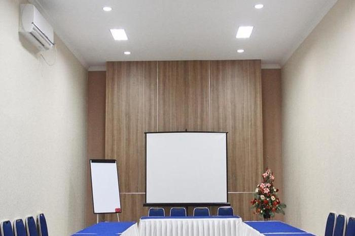 New Legend Hotel Makassar - Ruang Rapat