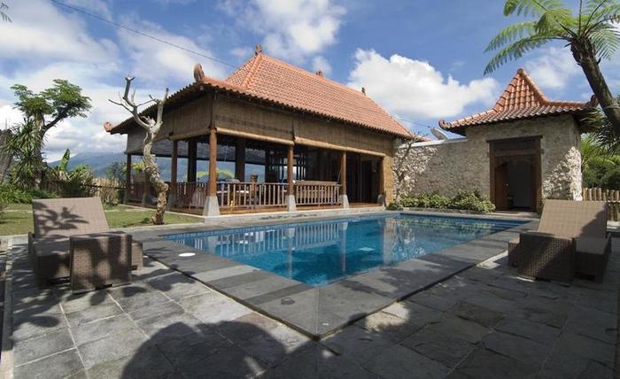 Villa Mulyono Malang - Kolam Renang