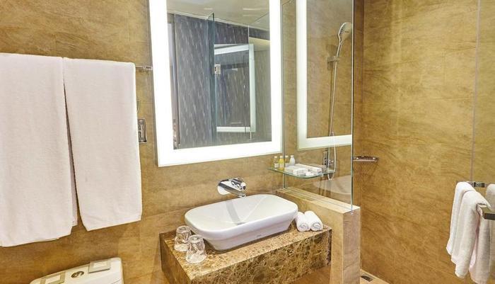 Ashley Hotel Jakarta Jakarta - Bathroom